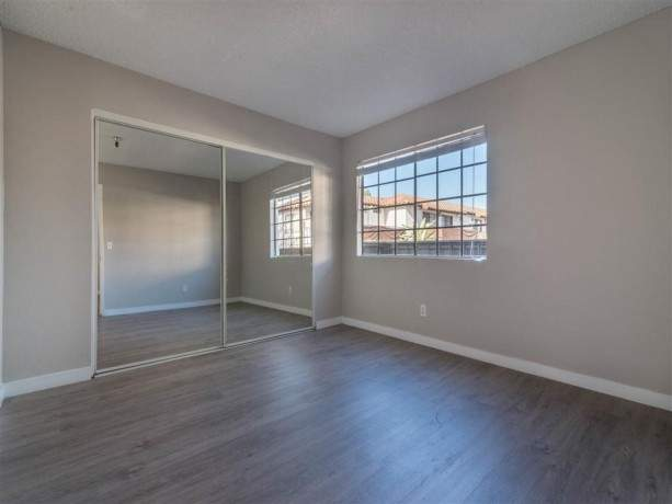 newly-renovated-apartments-for-rent-in-downtown-fullerton-ca-big-2