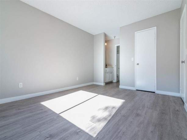 newly-renovated-apartments-for-rent-in-downtown-fullerton-ca-big-3